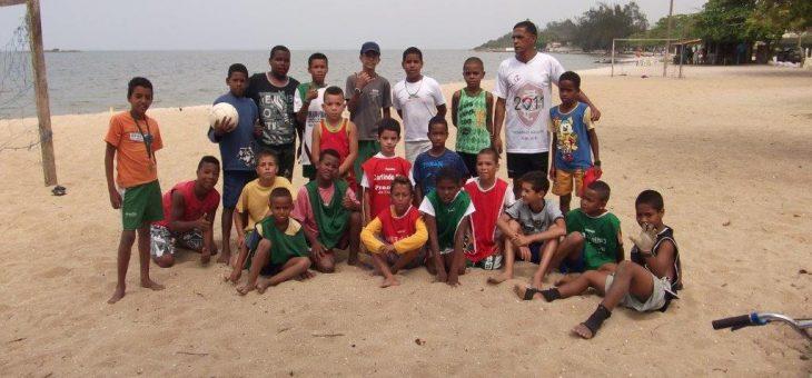 IPEDS apoia time de futebol da Praia Linda
